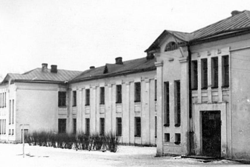 100 неймовірних фактів про Ямпіль: щоб побудувати школу ямпільчани розібрали старовинну церкву