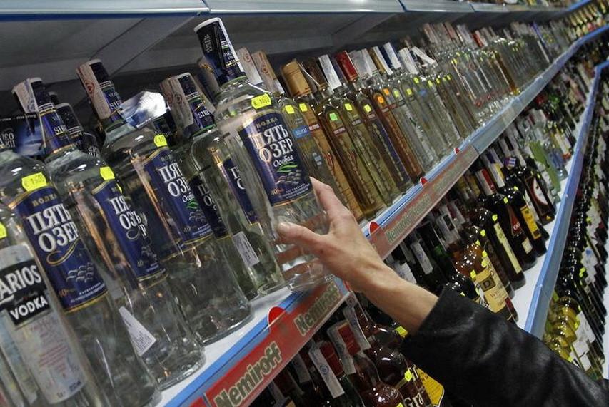 Селищна рада Ямполя залишила в силі заборону на продаж алкоголю в нічний час