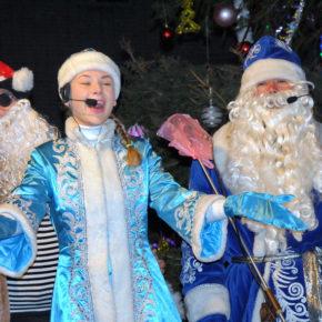 Новорічну ялинку в Ямполі відкриють на День Святого Миколая